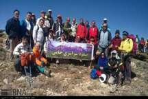صعود 300 نفره کوهنوردان کشور به کوه خامی باشت