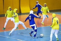 نبود فضای اختصاصی مانع توسعه فوتبال در بین بانوان یزدی است