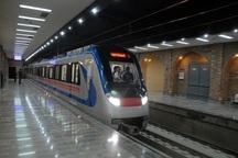 نقص فنی یک واگن قطار مترو بدون مسافر در خط 5 مترو تهران
