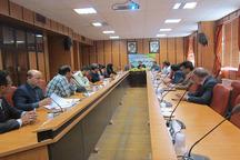 فرماندارتیران مدیران را به رفع نیازهای جوانان تیران ملزم کرد
