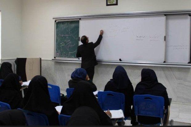 250 هزار استاد دانشگاه در کشور حق التدریسی هستند