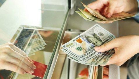 ریزش لحظه به لحظه قیمت دلار در بازار تهران+ جدول