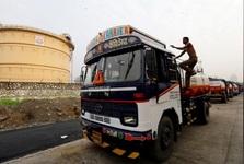 دولت هند از پالایشگاه ها نخواسته است که واردات نفت ایران را متوقف کنند