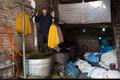 سوسوی چراغ رنگرزی در پستوی بازارچه سنندجی