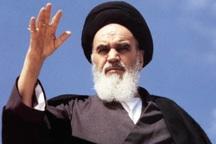 دشمن به دنبال تحریف اندیشه های امام خمینی است
