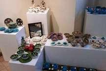گشایش دو نمایشگاه سفال و هدایای نوروزی در تبریز