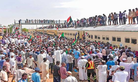 قطار انقلاب سودان به ایستگاه آخر رسید+عکس