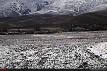 کاهش ۱۶ درجهای دما   بارش پراکنده برف و تگرگ در ارتفاعات
