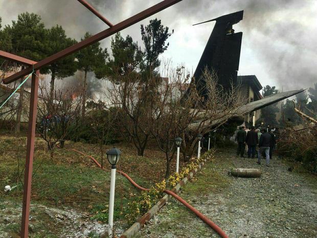 سقوط هواپیمای بوئینگ 707 در صفادشت کرج/ 15 نفر جان باختند+ عکس