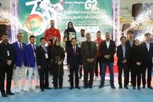 دختران نوجوان ایرانی بر سکوی قهرمانی ایستادند