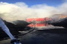 مهار آتشسوزی مرکز پرورش دام در کرمان با تلاش 12 ساعته آتشنشانان