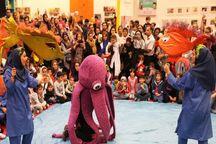 جشنواره باید همه روزهای همدان را تئاتری کند