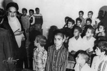 نامه محبت آمیز یک دانش آموز به امام و پاسخ امام خمینی به وی