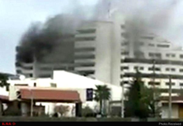 مجتمع اقامتی بانک مرکزی در نوشهر دچار حریق شد  یک نفر درگذشت