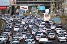 تردد خودروها در راه های البرز به کندی صورت می گیرد