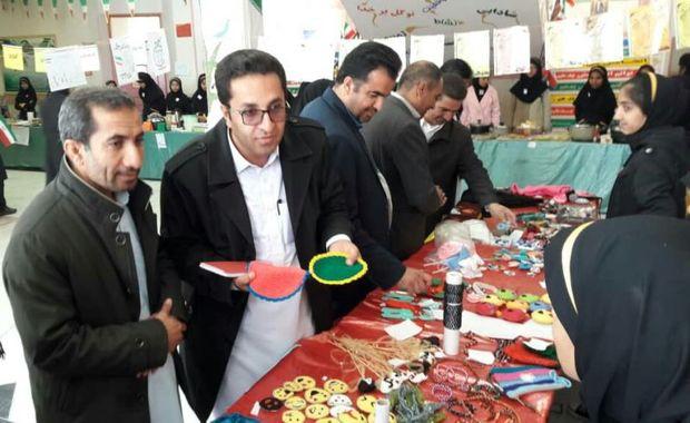 ویژه برنامه های فرهنگی فجر در 160 مدرسه خاش در حال اجراست