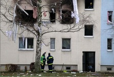 انفجار مشکوک در شرق آلمان و کشته و زخمی شدن 26 تن+ عکس