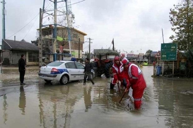 32 نفر گرفتار در مسیر سیلاب قزوین رهاسازی شدند