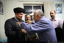 دیدار اعضای انجمن روزنامه نگاران دفاع مقدس با سید حسن خمینی