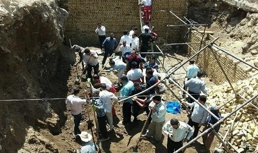 کشته شدن 4 کارگر زیر آوار ساختمان در نهاوند+تصاویر