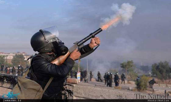درگیری خونین پلیس پاکستان با تحصن کنندگان در پایتخت+ تصاویر