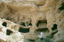 غارهای دستکند هنامه شیروان نقشی ماندگار در دل کوه