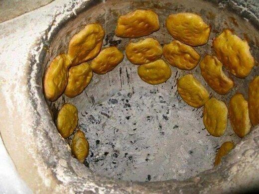 بانوی روستایی که نان به سفره های دیگران برد