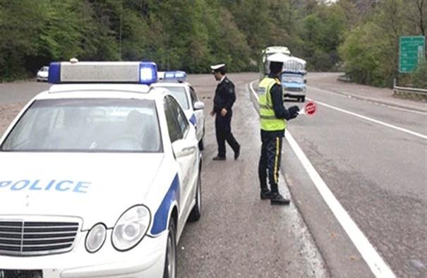 ماموران پلیس حق متوقف کردن خودروها را بدون رویت تخلف ندارند