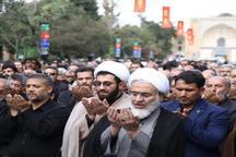 اقامه نماز جماعت ظهر و عصر تاسوعای حسینی توسط عزاداران قزوینی