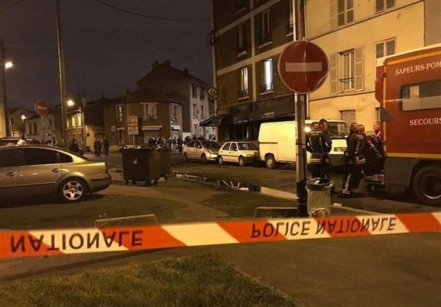 حمله به رستورانی در حومه پاریس