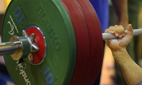سلیمانی در اردوی تیم ملی وزنه برداری مصدوم شد