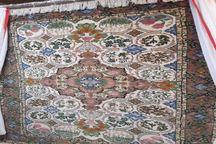 اولین فرش با نقش بن مایه های گیلانی در لاهیجان رونمایی شد