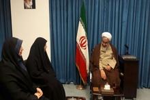دیدار مشاور دفتر  بانوان  استانداری  قزوین با نماینده ولیفقیه استان