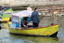 تاکسی قایق در انزلی؛ همتی برای کسب درآمد از تالاب