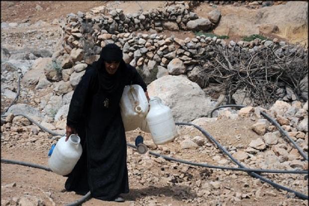 روستائیان  قزوین برای 24 ساعت آب شرب ذخیره کنند