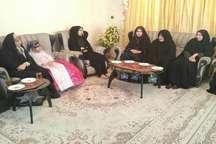خانواده شهدا استوانه های مستحکم انقلاب اسلامی هستند