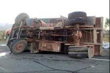 واژگونی کامیون در محور قزوین -رشت یک کشته  داشت