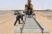 مسئولان تنگستان با پیمانکار راه آهن بوشهر- شیراز همکاری کنند