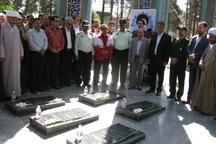 مسئولان گنبدکاووس با آرمان های شهدا تجدید میثاق کردند