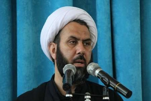 دشمن برای حذف عفت در جامعه اسلامی برنامه دارد
