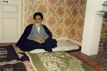امام می خواست مانند همه مردم ایران که زیر فشار بودند زندگی کنند