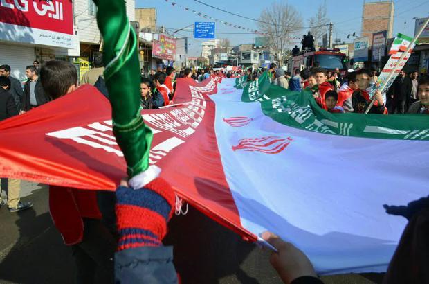 راهپیمایی باشکوه 22 بهمن در پاکدشت برگزار شد