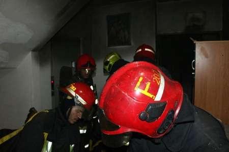 حریق مجتمع مسکونی در مشهد 17 مجروح بر جای گذاشت