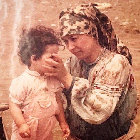 تبریک متفاوت ملیکا شریفی نیا به مادرش+ عکس