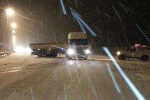 برف و کولاک شدید مسیر هراز را بست