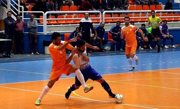 تیم های فارس، یک برُد و 2 شکست در فوتسال کشور کسب کردند