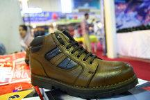 کشف ۲۵۶۸ جفت کفش خارجی قاچاق در بار علوفه
