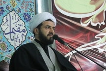 امام جمعه ملایر: حضور مردم در راهپیمایی 22 بهمن باید پرشکوه تر باشد