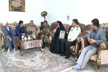 مسوولان مهابادی با خانواده شهدای دوران دفاع مقدس دیدار کردند
