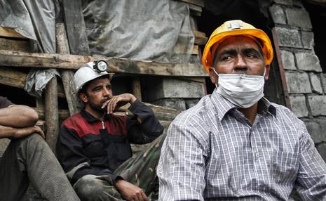 واکاوی مشکلات صنفی کارگران معدن